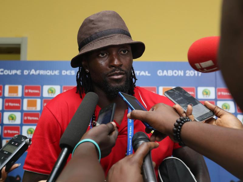 Emmanuel Adebayor on the verge of joining Paraguayan side