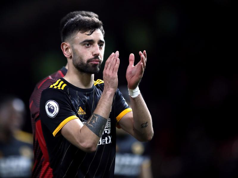 Diogo Dalot reveals how he is helping Bruno Fernandes at Manchester United