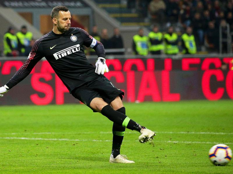 🧤 Milestone for Inter keeper Samir Handanovic as he hits 500th league appearance