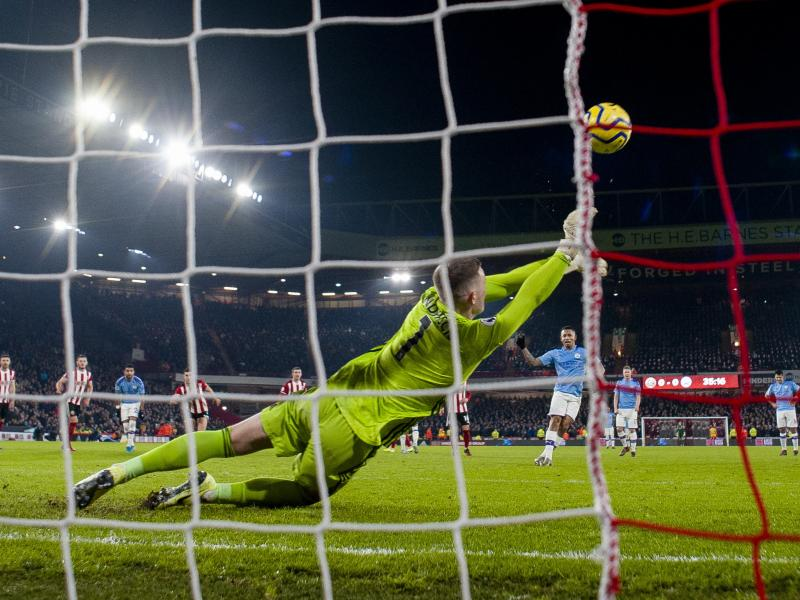 Manchester United to allow keeper Dean Henderson stay Sheffield United