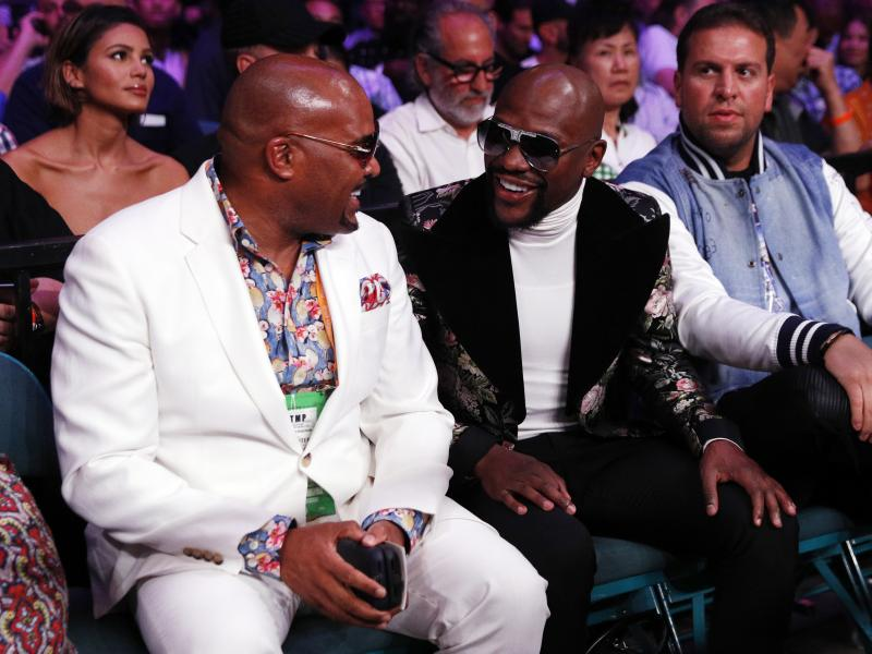 🥊⚽ Floyd Mayweather hints at possibility of buying Newcastle United