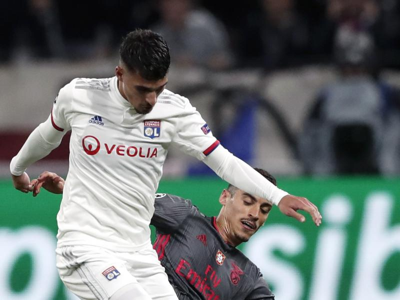 Arsenal given Houssem Aouar deadline by Lyon