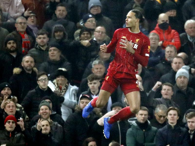 Van Dijk names three Man City stars in his Premier League five-a-side team