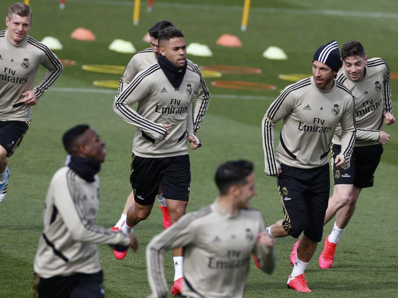 Hazard starts, Bale on the bench as Real Madrid welcome Eibar