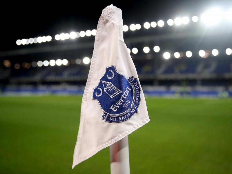Midfielder with Kenyan roots signs contract with Everton