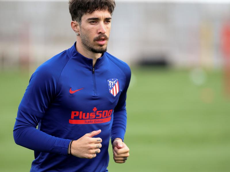 Atletico Madrid defender Sime Vrsaljko undergoes surgery to remove surgical materials from his knee