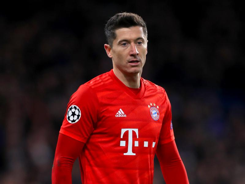Robert Lewandowski breaks another Bundesliga record as Bayern goes ten points clear