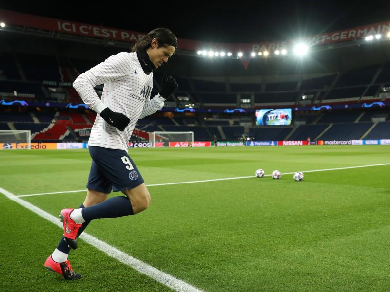 PHOTOS: Cavani trains with Man United for the first time ahead of PSG clash