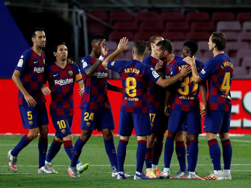 Barcelona players agree to pay cuts due to coronavirus pandemic