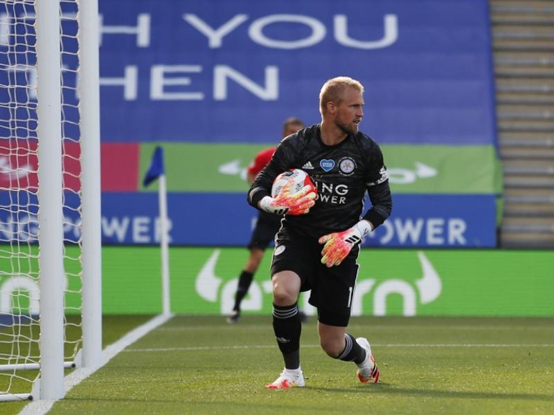 Leicester sweating on the fitness of keeper Schmeichel ahead of Liverpool clash