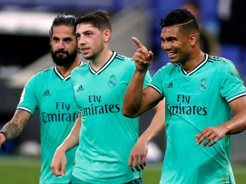 Casemiro puts Real Madrid contract extension talks on hold