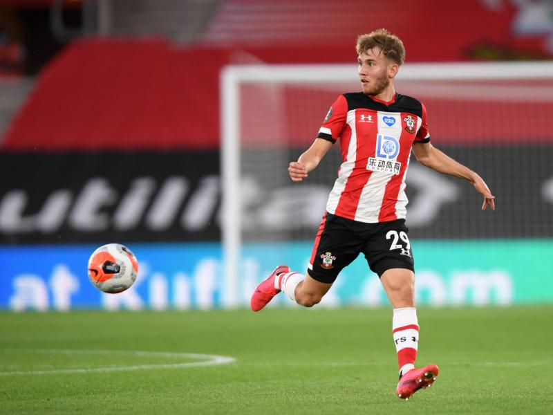 📝 Southampton defender Vokins signs contract extension
