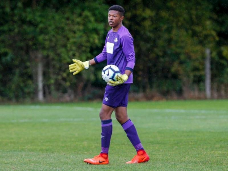 England-born Ugandan goalkeeper Giosue Bellagambi signs first professional contract at Huddersfield Town