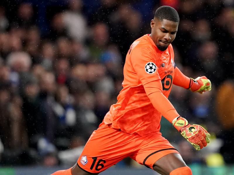 Reports: Chelsea cool interest in Lille goalkeeper Mike Maignan
