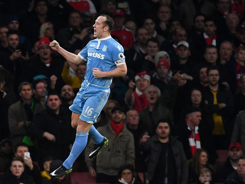 Charlie Adam joins Dundee United from Championship side Reading