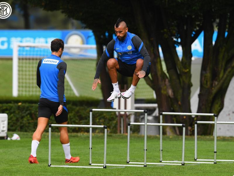 🎥 WATCH: Arturo Vidal first training session with Inter