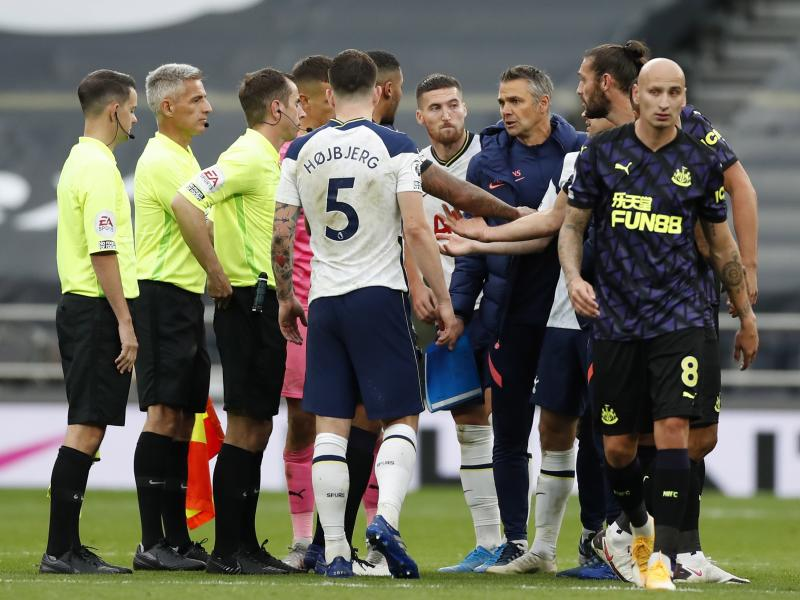 🚨 PL: Referees told to be more lenient with handball rule