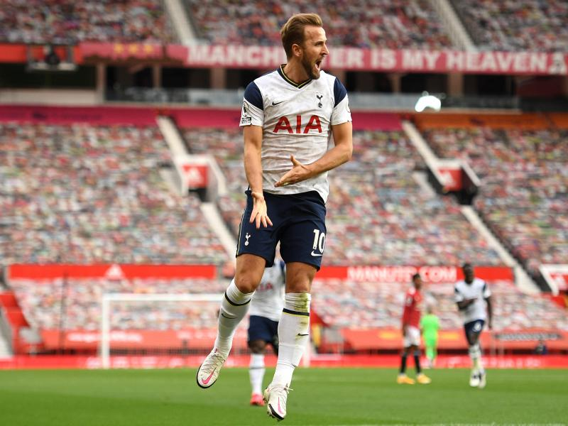 🔵🔥 Berbatov: After Messi and Ronaldo, Kane and Lewandowski are two of the best talents in our sport