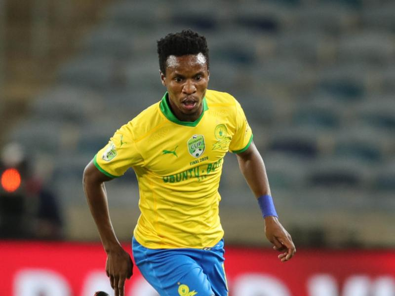 🟡👆🏿🔵 Themba Zwane and Sundowns sweep at PSL awards