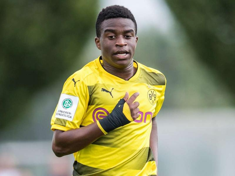Schalke 04 issue an apology following the club's fans racial abuse towards Youssoufa Moukoko