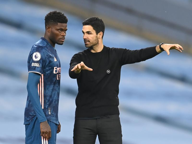 Chelsea legend Essien sends message to Thomas Partey