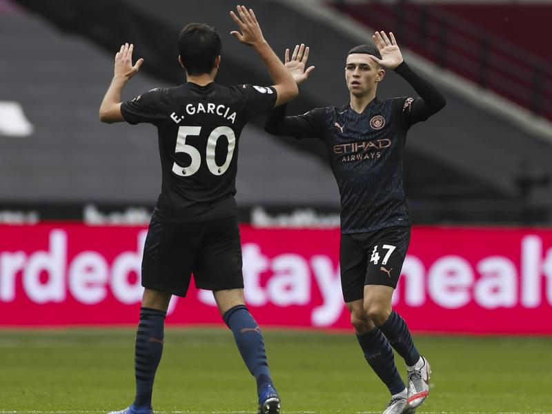 Former Spurs midfielder Jermaine Jenas on being mesmerised by Phil Foden's performance