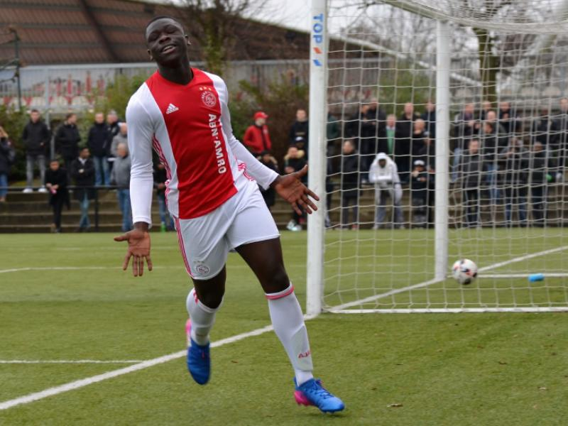 Dutch-Ghanaian youngster Brian Brobbey scores on Ajax debut