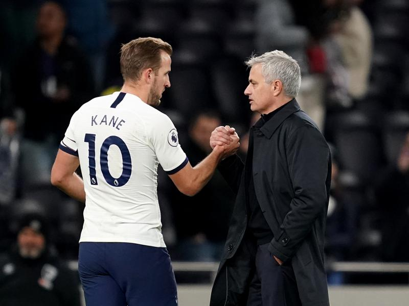 Harry Kane defends under-fire Spurs boss, Jose Mourinho