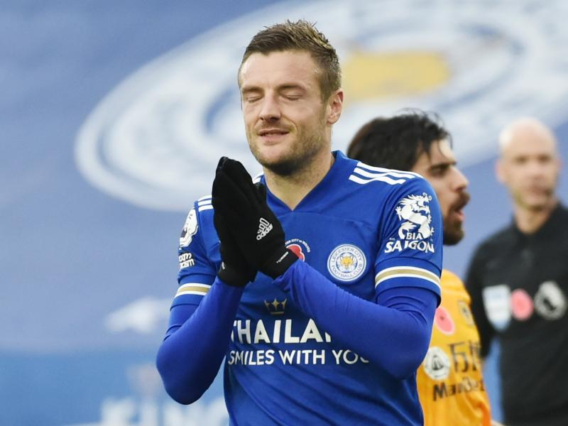Jamie Vardy scores as Leicester go top of the Premier League