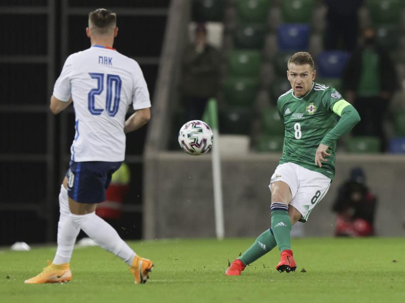 Steven Davis leaves Northern Ireland camp citing personal reasons