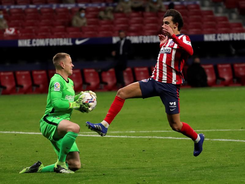 Koeman unhappy with keeper Ter Stegen for Atletico Madrid defeat
