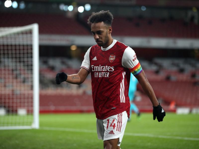 🇬🇦 Aubameyang makes big social media decision