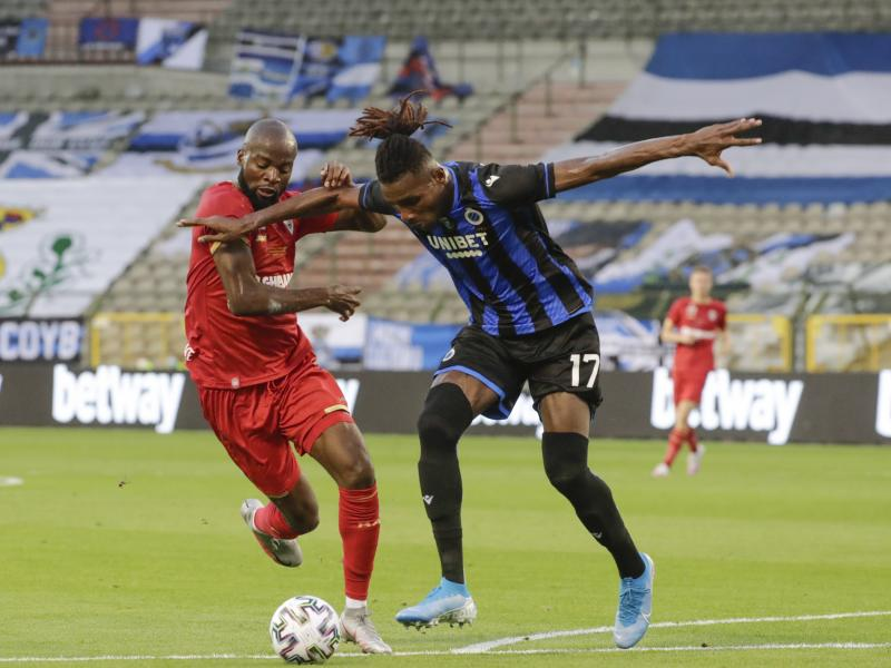 Royal Antwerp's Lamkel Ze apologises after arriving in training in rivals' shirt