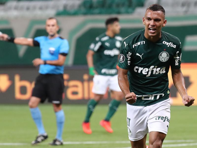 Man United compete with Europe's top clubs for Brazilian attacker Gabriel Veron