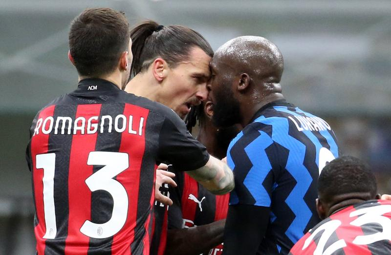 😯 Watch: Former Man United teammates Zlatan and Lukaku in nasty head butting before red card