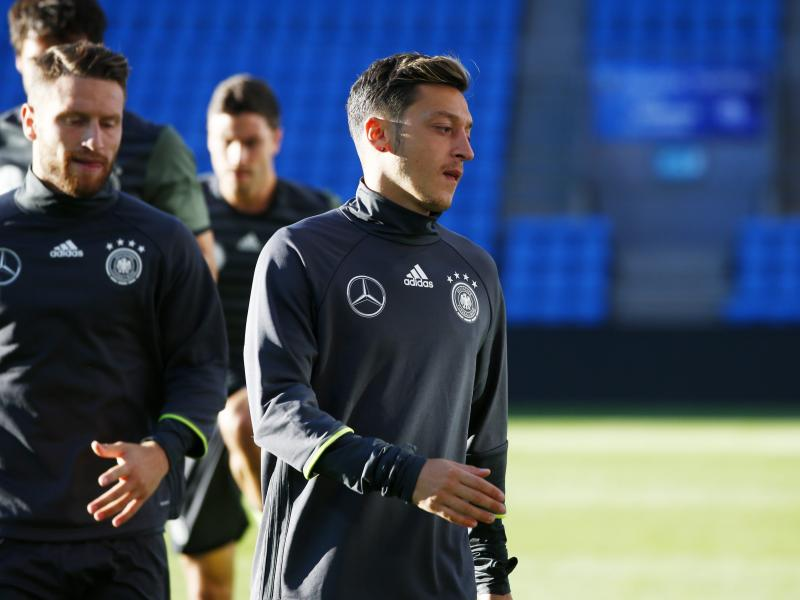 Mesut Ozil vows never to play for Germany again