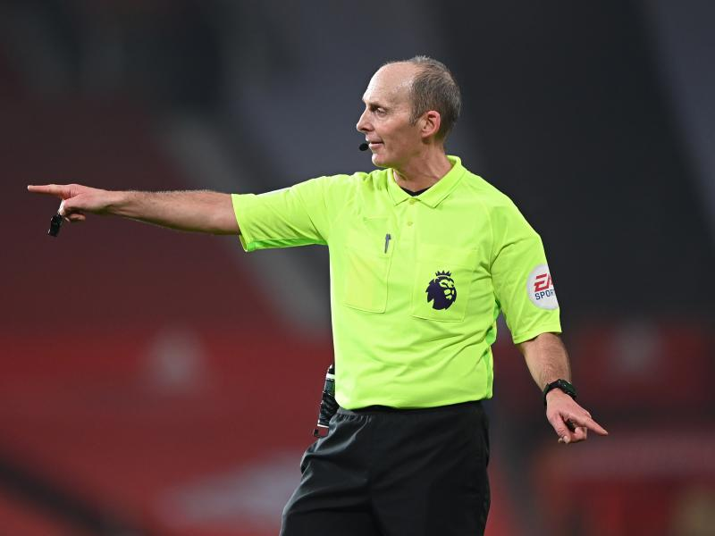 Premier League referee Mike Dean to return over the weekend amid death threats