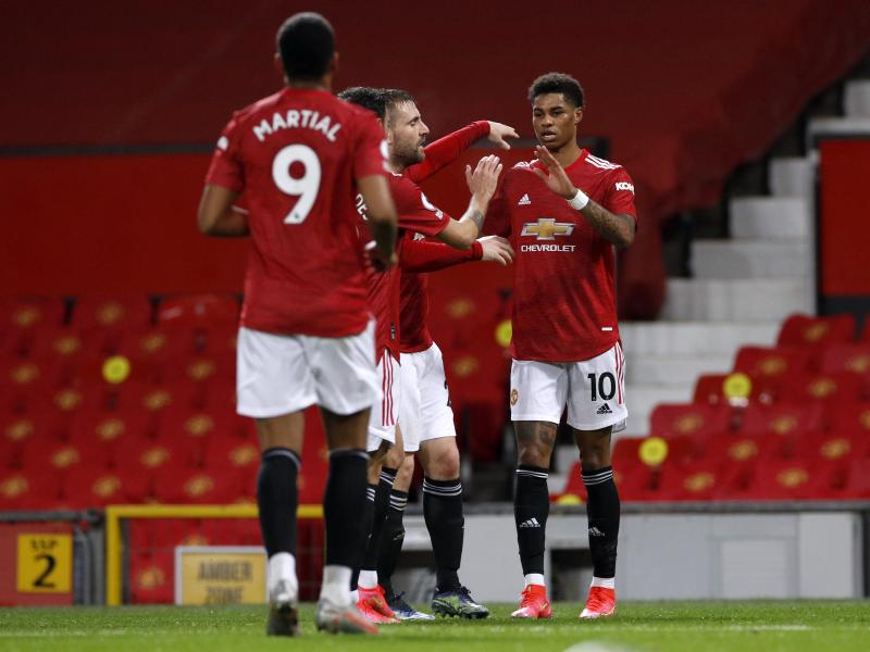 Manchester United move second after home win over Newcastle