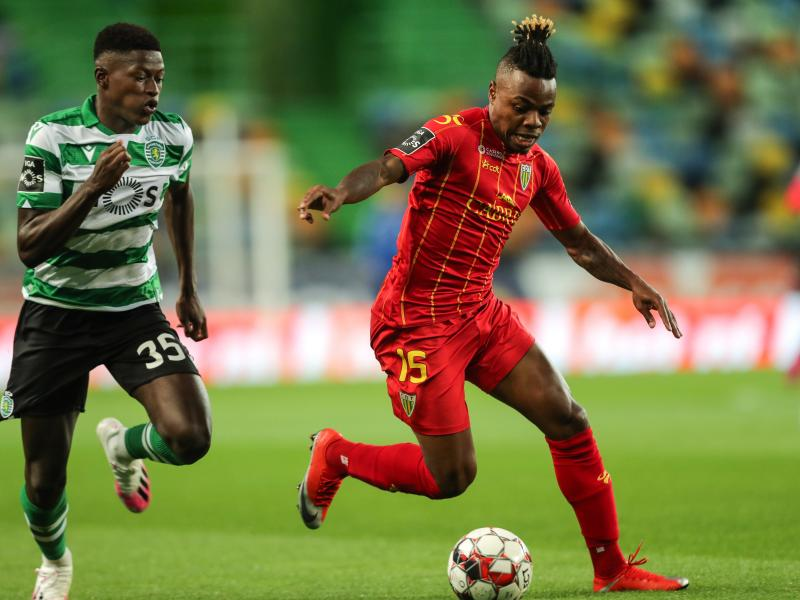 Man United to offer Telles plus cash for Sporting's Nuno Mendes