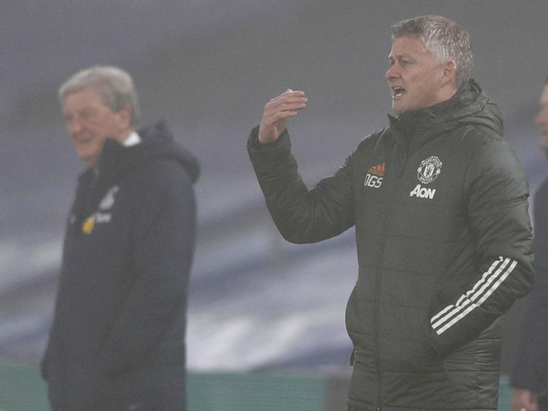 Solskjaer backs his Man United players despite another draw