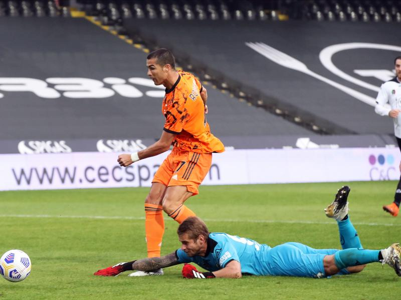 Spezia keeper tests positive for Covid after Juve match