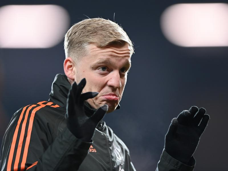 Van de Beek urged to fight for Manchester United career