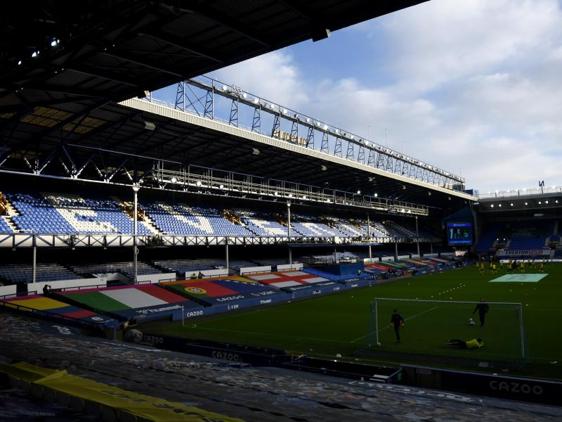 Arsenal and Man United to battle for Everton youngster