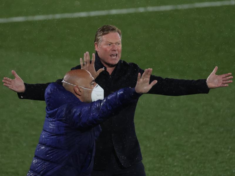 Koeman banned from the touchline for Atleti and Valencia