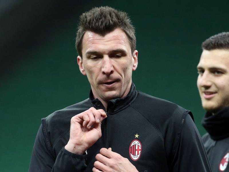Mandžukić gives March salary to charity after not playing