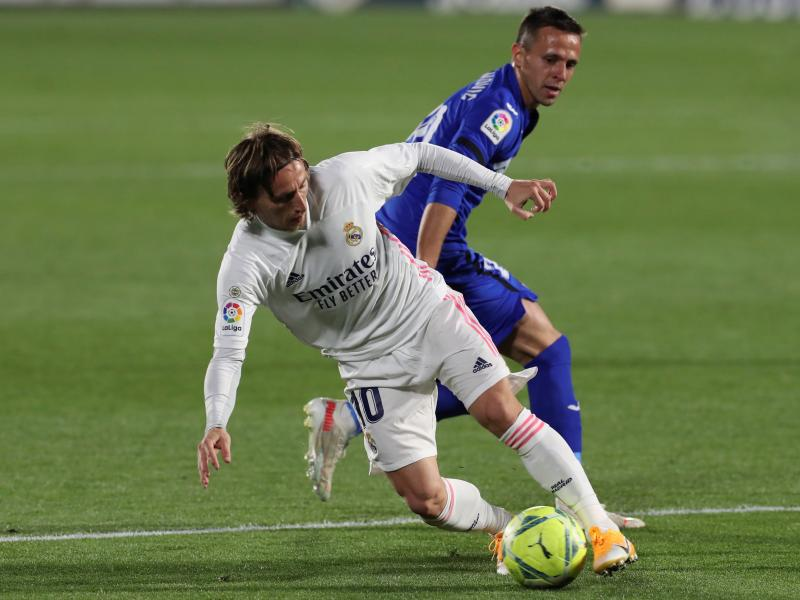 European Roundup: Real Madrid held to blow Laliga race wide open