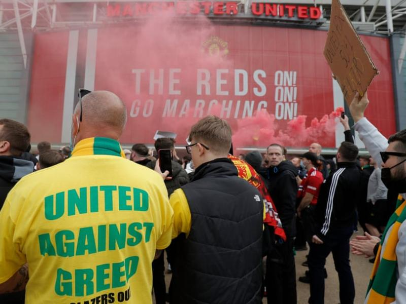 PICTURES: Here's why Man United vs Liverpool has been delayed