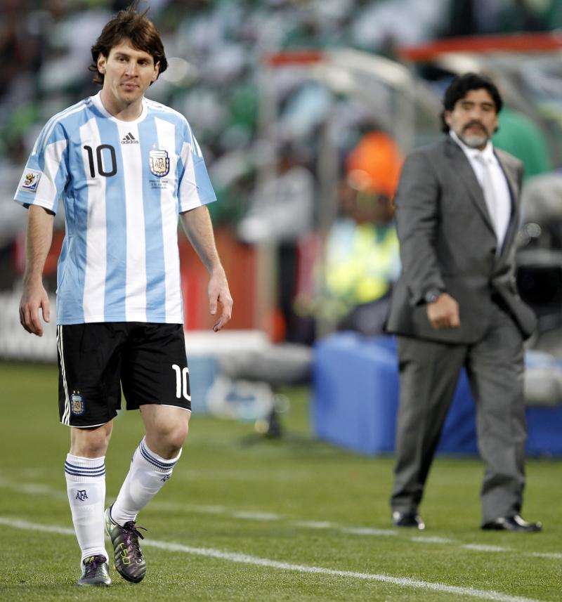 🇦🇷 Former Argentina star on why Messi can't become greater than Maradona