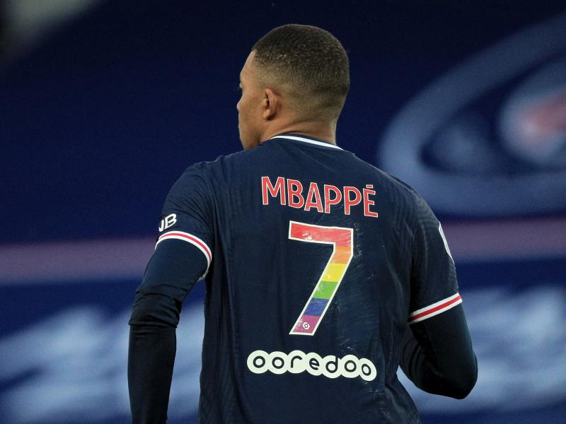 Real Madrid ban discussions over Mbappe move