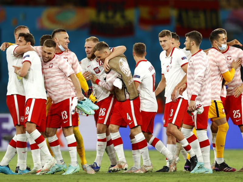 Kacper Kozłowski becomes the youngest player in Euro history